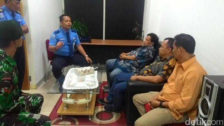 Ribut dengan Satpam Bandara Sultan Thaha, Anggota DPRD Jambi Khilaf