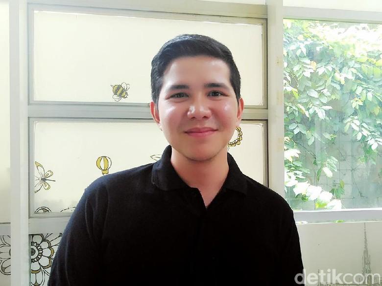 Haykal Kamil Lakukan Ritual Keliling Rumah Kakak Jelang Pernikahan