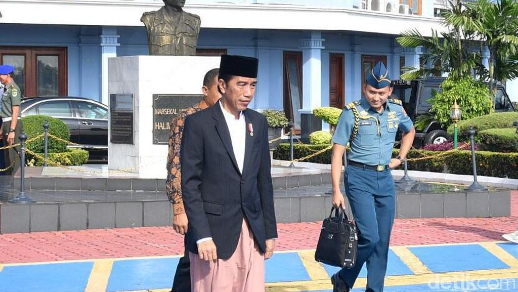 Jokowi Peringati Maulid Nabi di Pekalongan