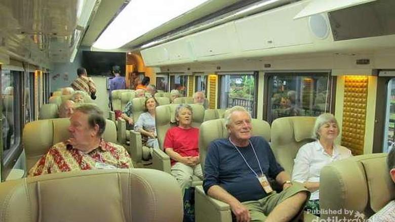 Isi gerbong kereta wisata yang mewah (Zudi Susanto - dTraveler)