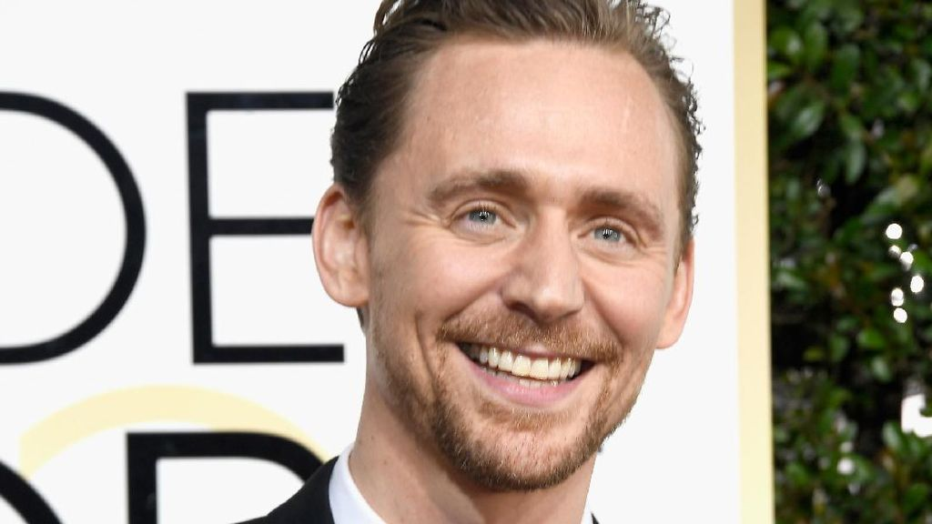 Tom Hiddleston Kesal Ditanyai Soal Taylor Swift