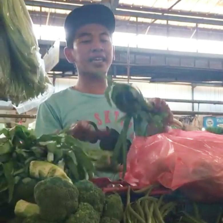 Viral! Lucunya Pedagang Sayur Ini Jualan Pakai Bahasa Inggris