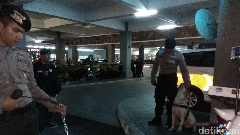 Dora dan Brandon, Anjing Andalan Polda Metro Amankan Debat Cagub DKI