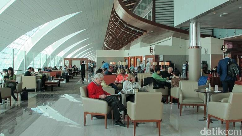 Foto: Selamat datang di Business Class Lounge Emirates di Bandara Dubai (Afif/detikTravel)