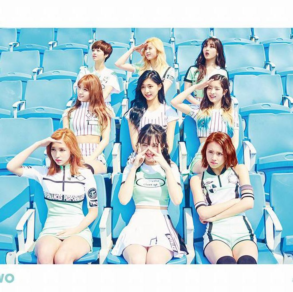<i>Chukhae</i>! MV TWICE Heart Shaker Raih 100 Juta Penonton Di YouTube