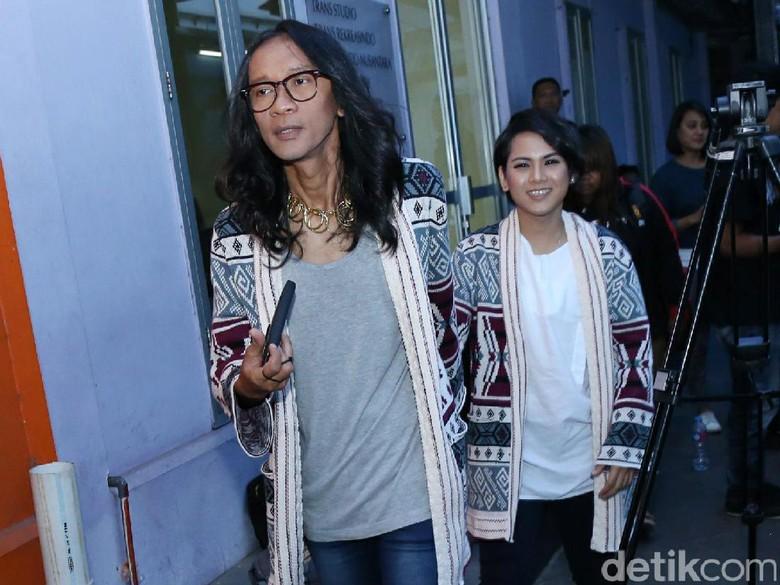 Unggah Foto ke Bali Bareng Pasca Cerai, Aming Panggil Evelyn Sister