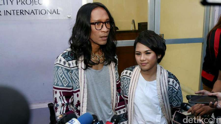 Serasinya Aming dan Evelyn