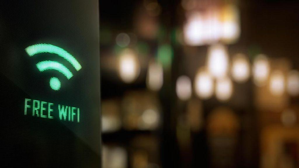 Liburan ke Luar Negeri? Hati-hati Pakai Travel WiFi Router
