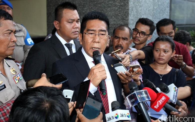 Politikus PDIP Henry Yoso Minta KPK Dibekukan