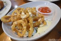 Fish Republic: Lembut Gurih, Fish and Chips dengan Lelehan Keju Mozarella!