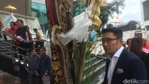 Pulang dari HUT Megawati, Ridwan Kamil Bawa Banyak Oleh-oleh