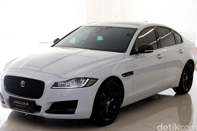 Penampakan Jagoan Baru Jaguar New XF 2.0 Black Jack