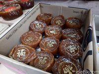 Berbelanja Kue Keranjang Khas Imlek di Pasar Glodok