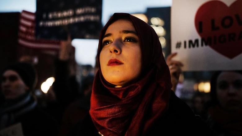 Trump Didemo Terkait Pendaftaran Muslim AS