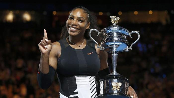 Serena Williams saat menenangkan Australia Terbuka 2017 (Foto: REUTERS)