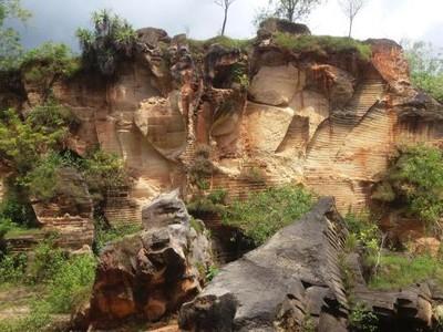 Bukit Arosbaya, Spot Foto Baru yang Unik di Madura