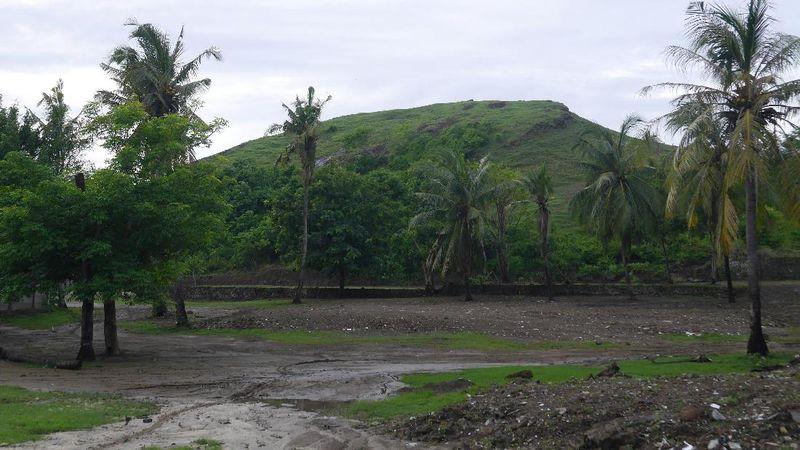 Foto: Bukit Merese menjadi salah satu objek wisata andalan di kawasan Mandalika. Lokasinya dekat dengan Pantai Aan (Kurnia/detikTravel)