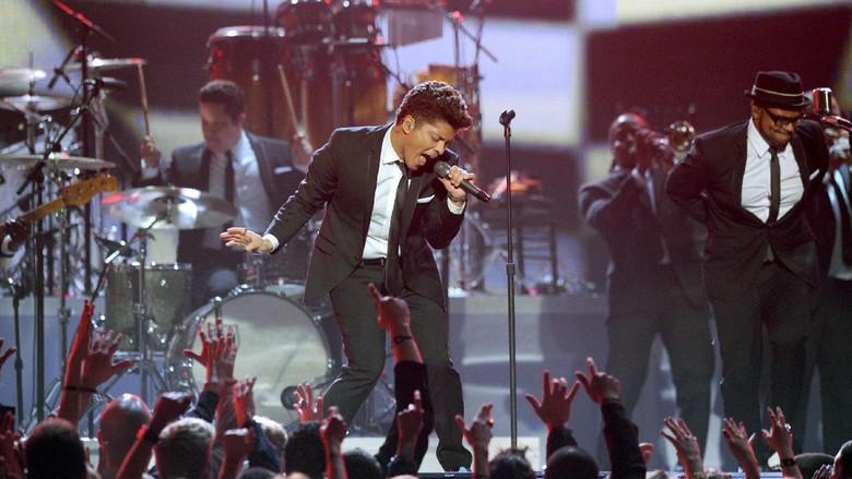 Bruno Mars Sumbangkan Rp 13 Miliar Hasil Tur untuk Korban Krisis Air