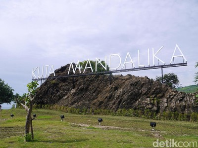 Jokowi Bikin Vlog di Mandalika, Kadispar NTB: Bagus Banget!