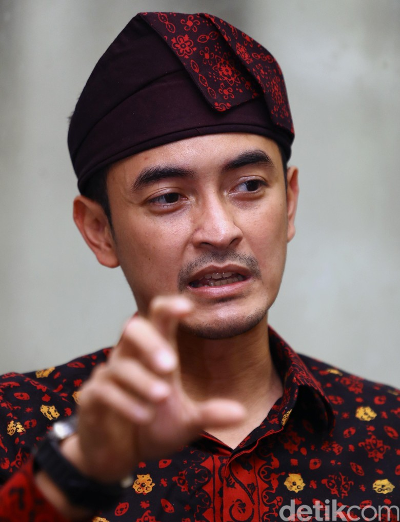 KPK Geledah Kantor Gubernur Jambi - Dikhy Sasra Jakarta KPK melakukan penggeledahan di kantor Gubernur Provinsi Penggeledahan ini merupakan tindak lanjut Operasi Tangkap Tangan