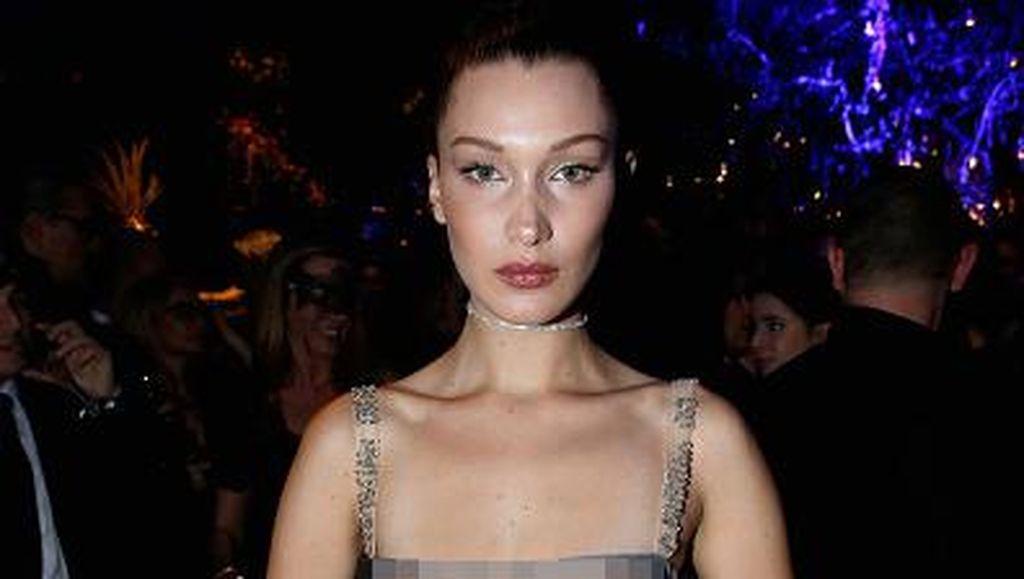 Bella Hadid dan Dianna Agron Bergaun Transparan Dior, Siapa Lebih Cantik?