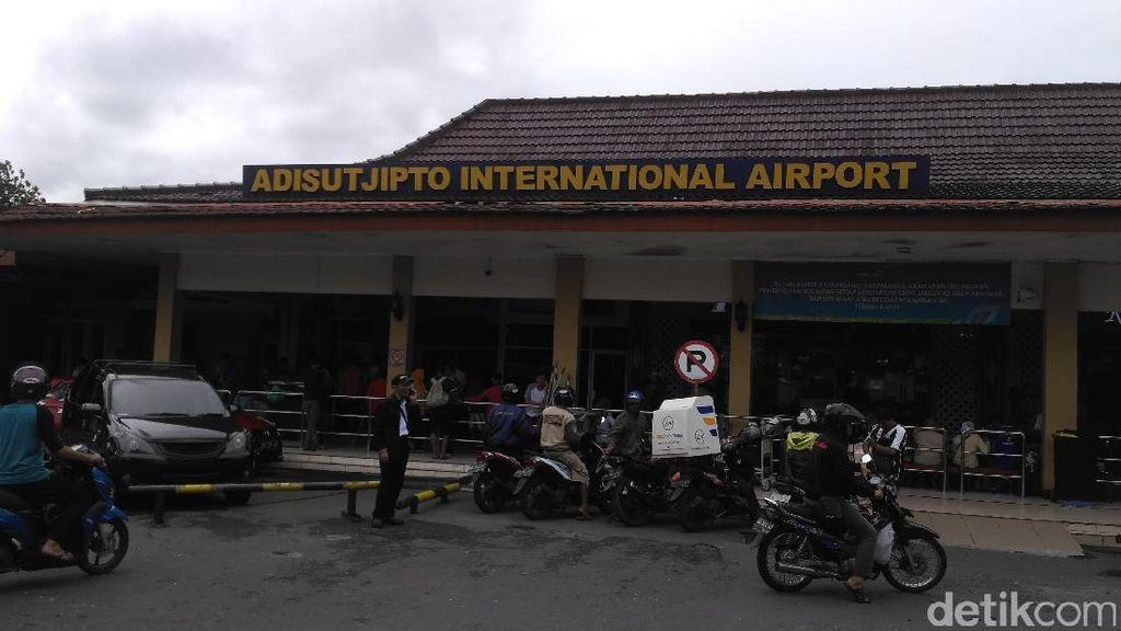 Menhub Cek Kesiapan Bandara Adisutjipto Hadapi Arus Mudik Lebaran