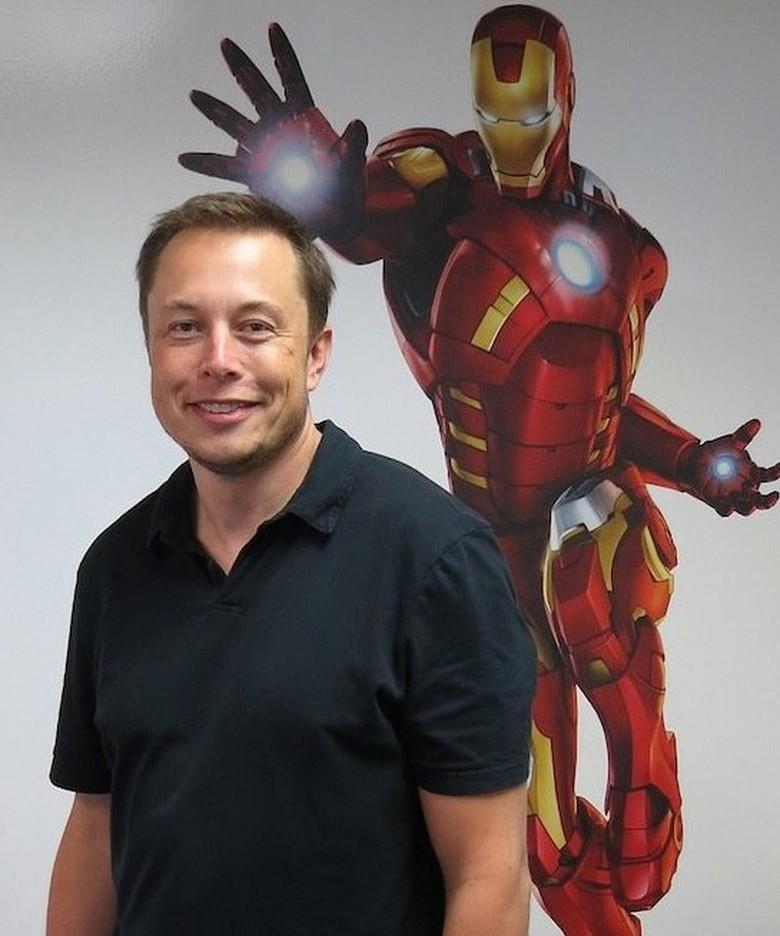 Hadiah Mobil untuk Iron Man Versi Dunia Nyata