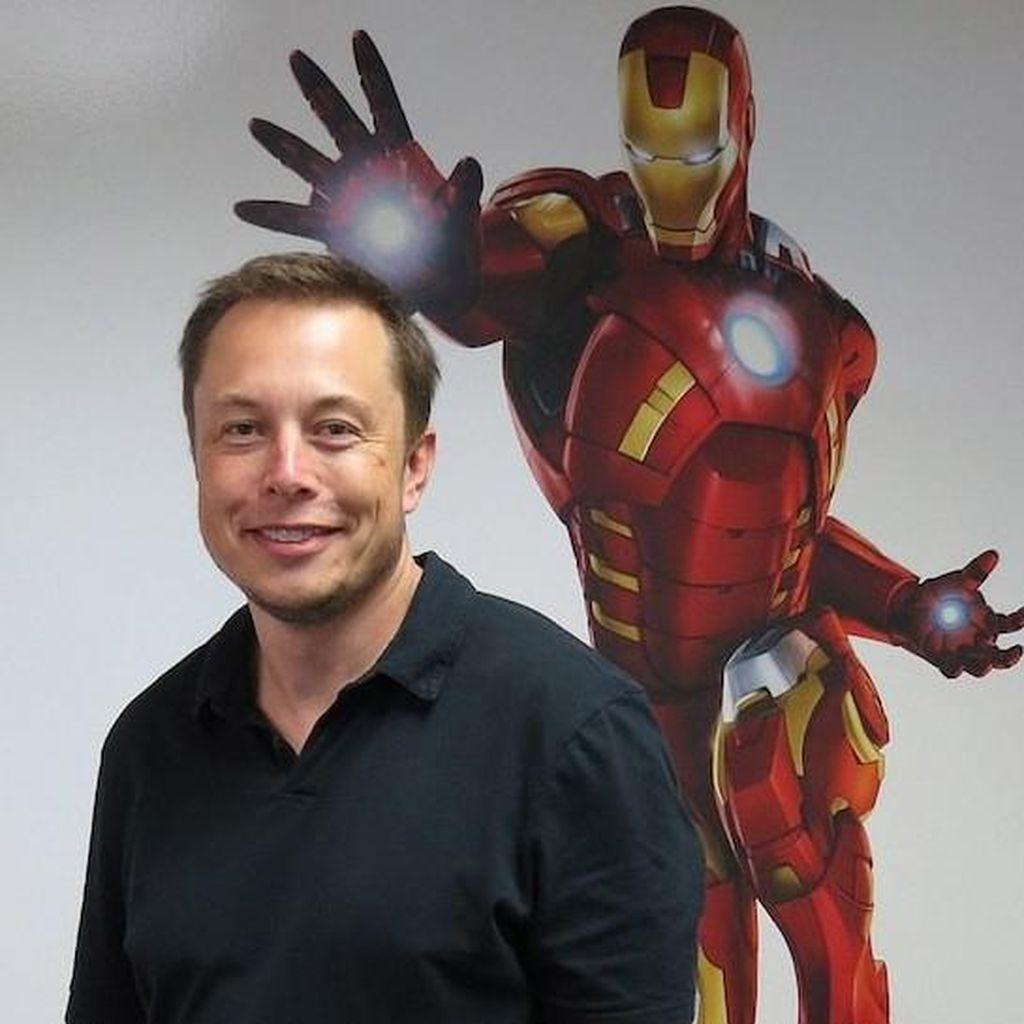 Cuma Jualan Topi, Elon Musk Raup Rp 4 Miliar