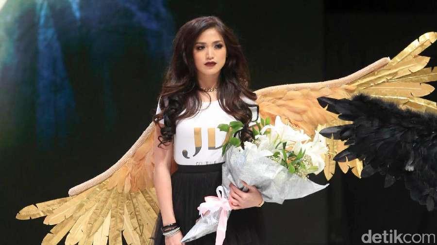 Seksinya Jessica Iskandar Hingga Gisel saat Jadi Bidadari