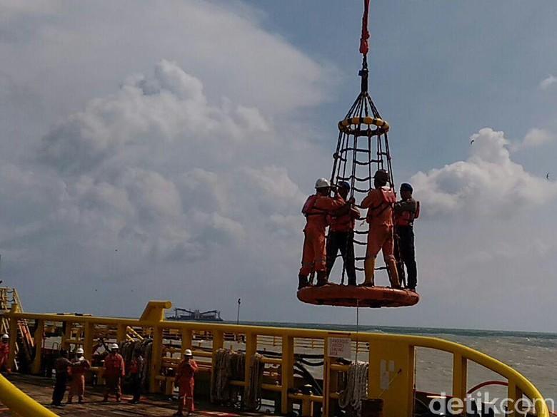 Dua Korban Kapal Nelayan Lamongan yang Hilang Belum Ditemukan