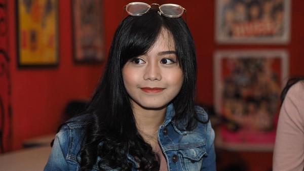 Sisil JKT48, Mahasiswi Hukum yang Ingin Jadi Notaris