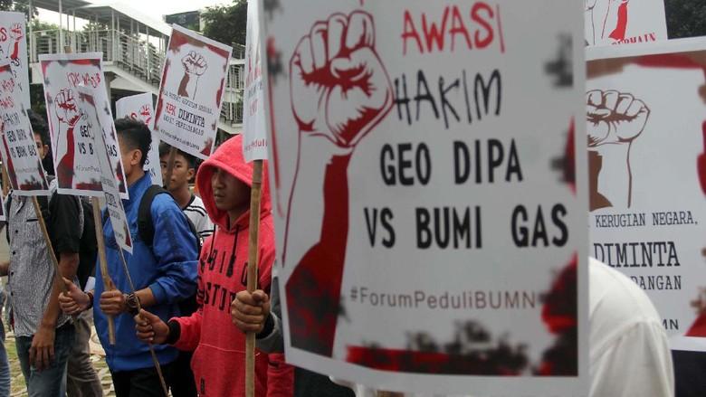 Aksi Selamatkan Geo Dipa di Depan KPK