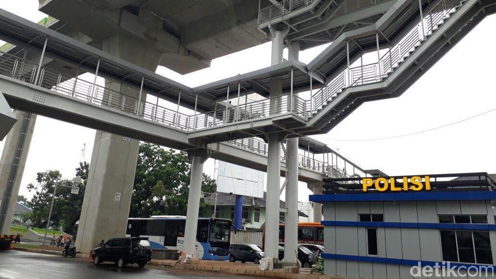 Menjajal Halte Tertinggi di Proyek Busway Layang Ciledug-Tendean