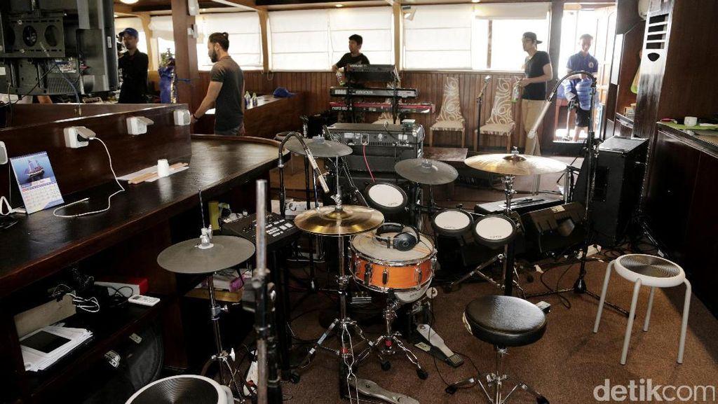 Ini Studio di Atas Laut Milik NOAH