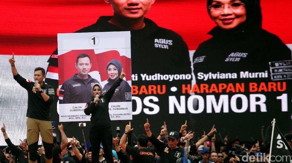 Tutup Kampanye #SATUkanJakarta, Agus-Sylvi Sapa Relawan