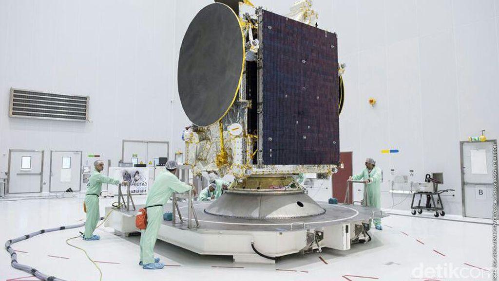 Yuk, Intip Persiapan Satelit Telkom 3S Sebelum Meluncur