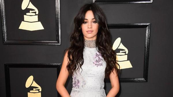 Camila Cabello Cantik Bak <i>Princess</i> di Karpet Merah
