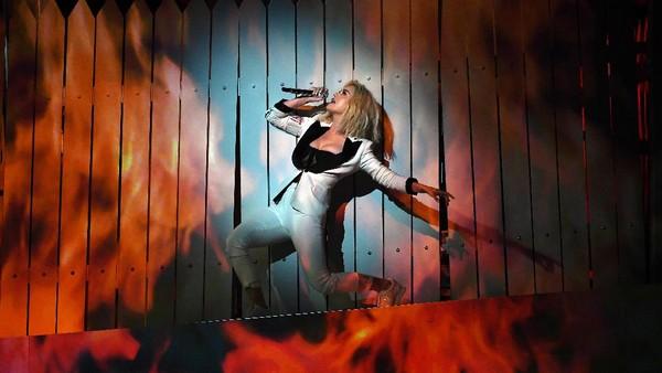 Katy Perry Bawa Kondisi Politik AS ke Panggung Grammy