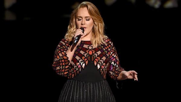 Teteskan Air Mata, Adele Terima Piala Album of the Year