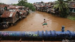 Normalisasi atau Naturalisasi Sungai? Begini Bedanya