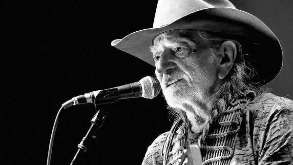 Willie Nelson Menangkan Piala Ke-8 untuk Best Traditional Pop Vocal Album