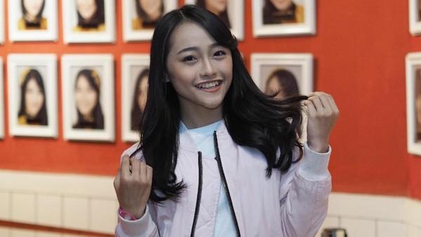 Ayen JKT48, Lady Rocker yang Ingin Jadi Desainer