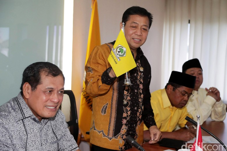 Akbar Dorong Munaslub, Novanto Siapkan Pleno