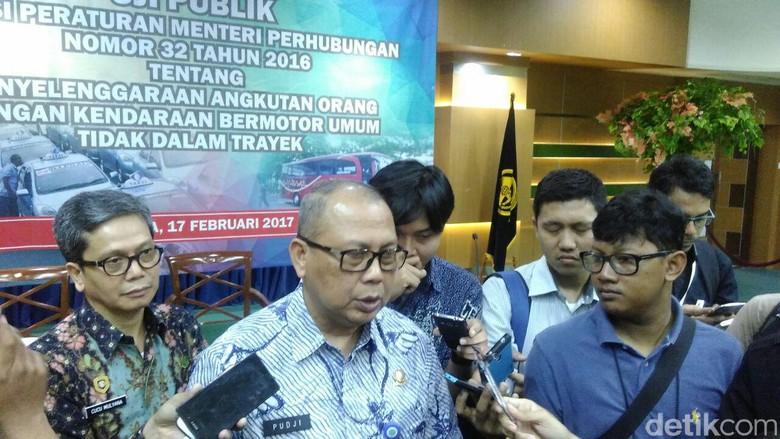 Uji Publik Aturan Taksi Online: STNK Badan Hukum, Tarif Diatur