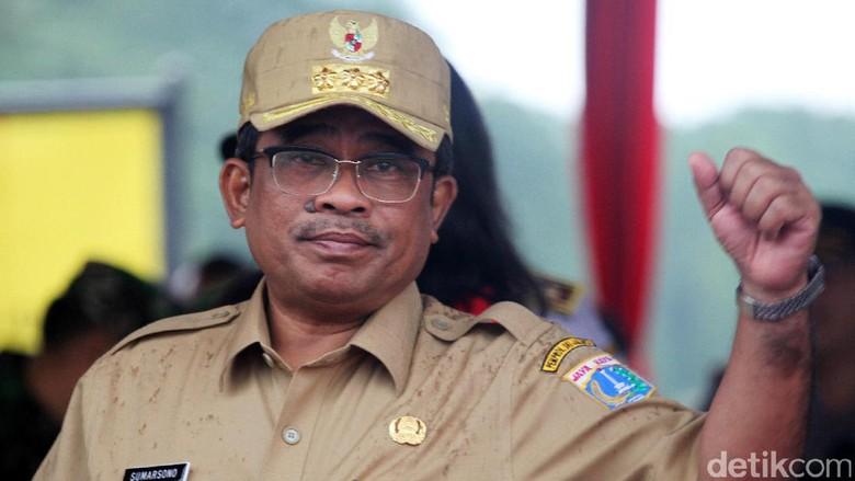 Kemendagri Revisi Draf APBD DKI - Jakarta Kementerian Dalam Negeri menerima draf APBD DKI Jakarta Rp Kemendagri sedang memberikan revisi pada draf APBD kata