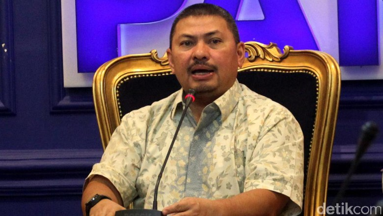 Aziz Ditunjuk Ketua DPR Kewenangan - Jakarta Ketua Fraksi PAN di DPR Mulfachri Harahap enggan mengomentari penunjukan Aziz Syamsudin sebagai ketua DPR oleh Setya