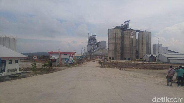 Pabrik PT Semen Indonesia di Rembang