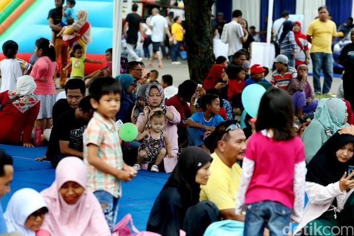 Warga Cirebon Tumpah Ruah di Pesta Datsun