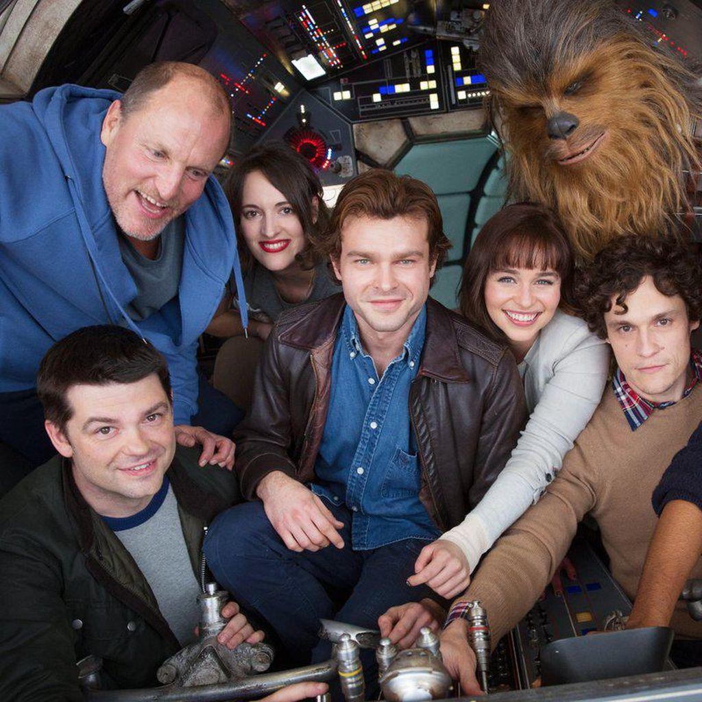Solo: A Star Wars Story Kisahkan Pertemuan Han Solo dan Chewbacca