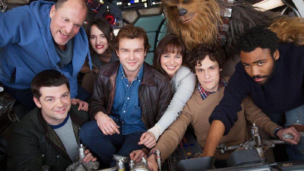 Video: Saat Ron Howard Bocorkan Judul Film Han Solo